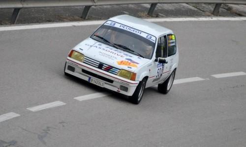 Bonavida-Segarra amb el seu Peugeot 205 Rallye.